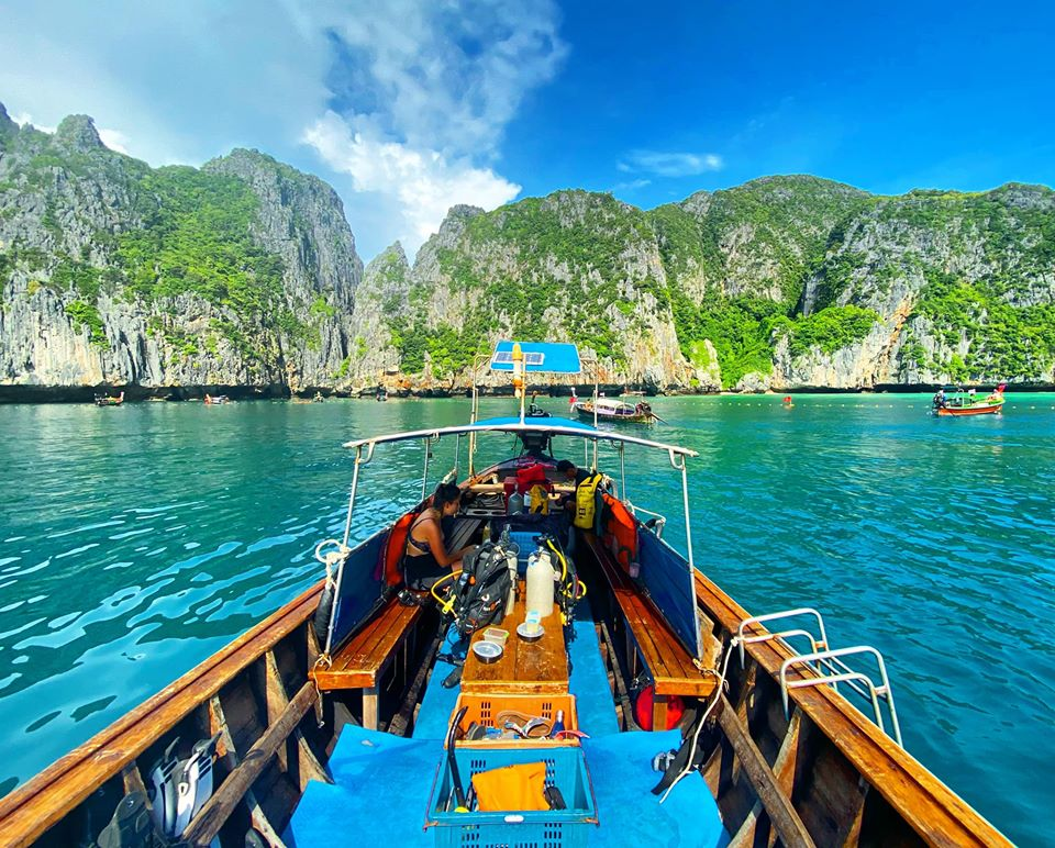 phi phi diving, Longtail-boat-Maya-bay