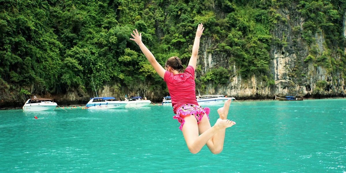 Claire jumps off our speedboat