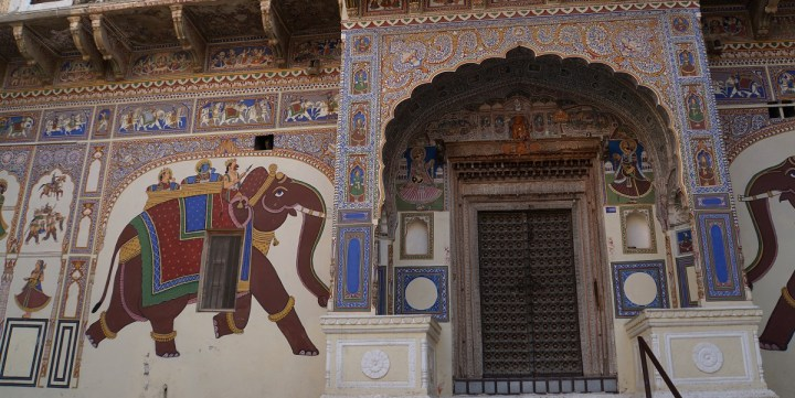 Havelis built by opium traders in Mandawa feature beautiful frescoes