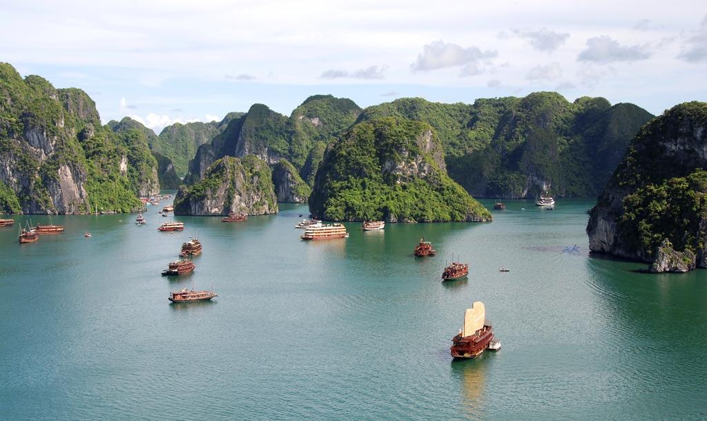 Boottrip door Halong Bay hoogtepunt van Vietnam