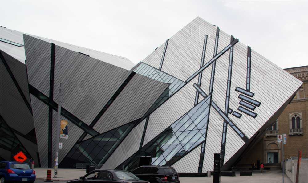 Images of the Michael LeeChin Crystal Royal Ontario Museum by Daniel Libeskind 2007