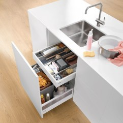 Blum Kitchen Bins Cabinet Lazy Susan 窄水槽抽 Blum厨房垃圾箱