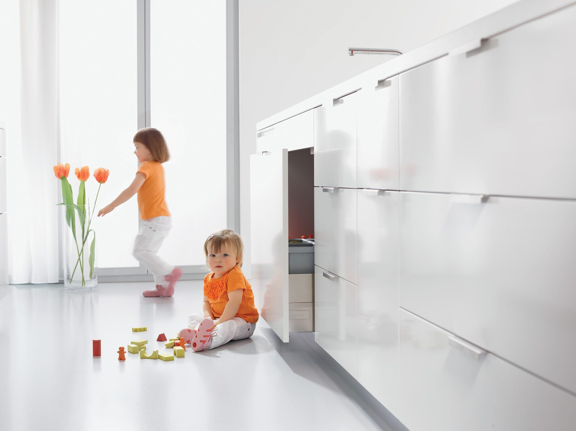 blum kitchen bins rubber mats servo drive uno 单元柜碰碰开 blum厨房垃圾箱