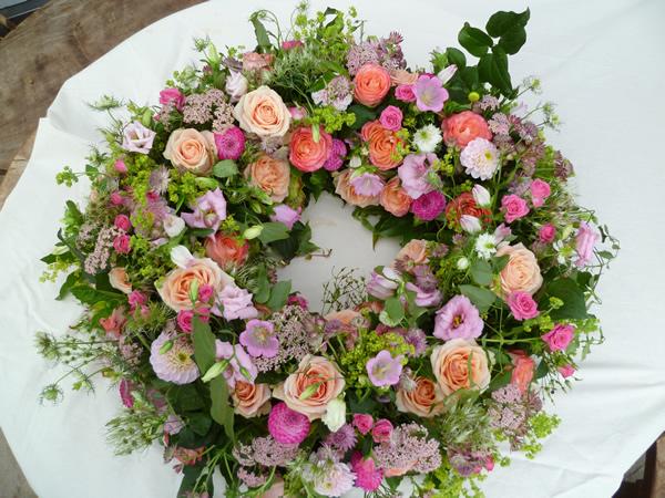 Trauerfloristik  Blumen Gtlich