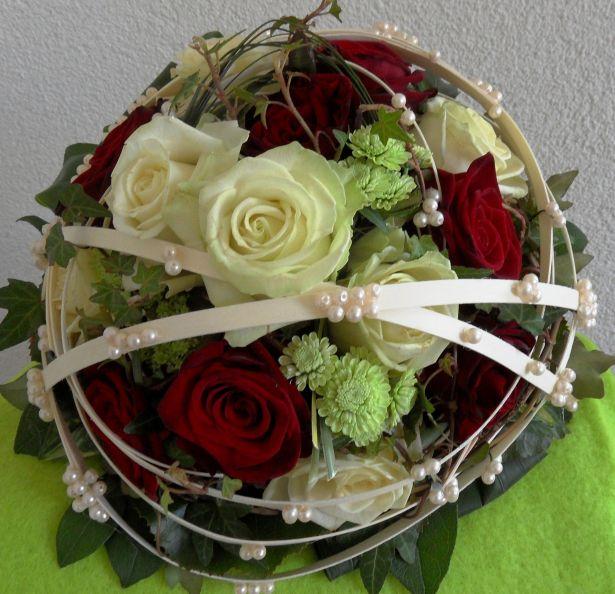 Brautstrue Brautstrau Hochzeit rund in rot wei  Blumenspezi