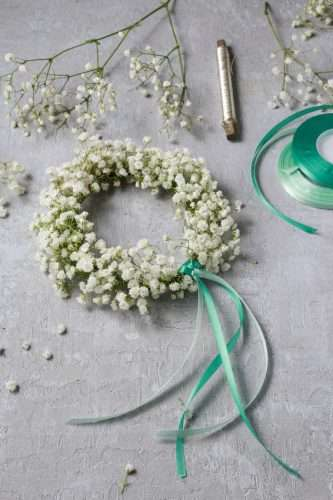 Haarkranz aus Schleierkraut selber machen  ein Hochzeits