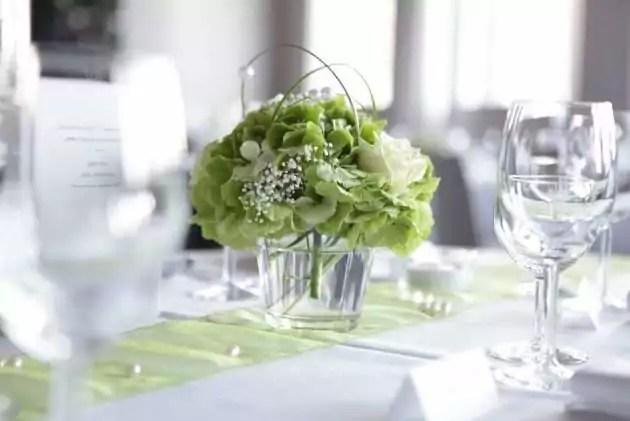 Blumendeko zur Hochzeit selber machen  Blumigo