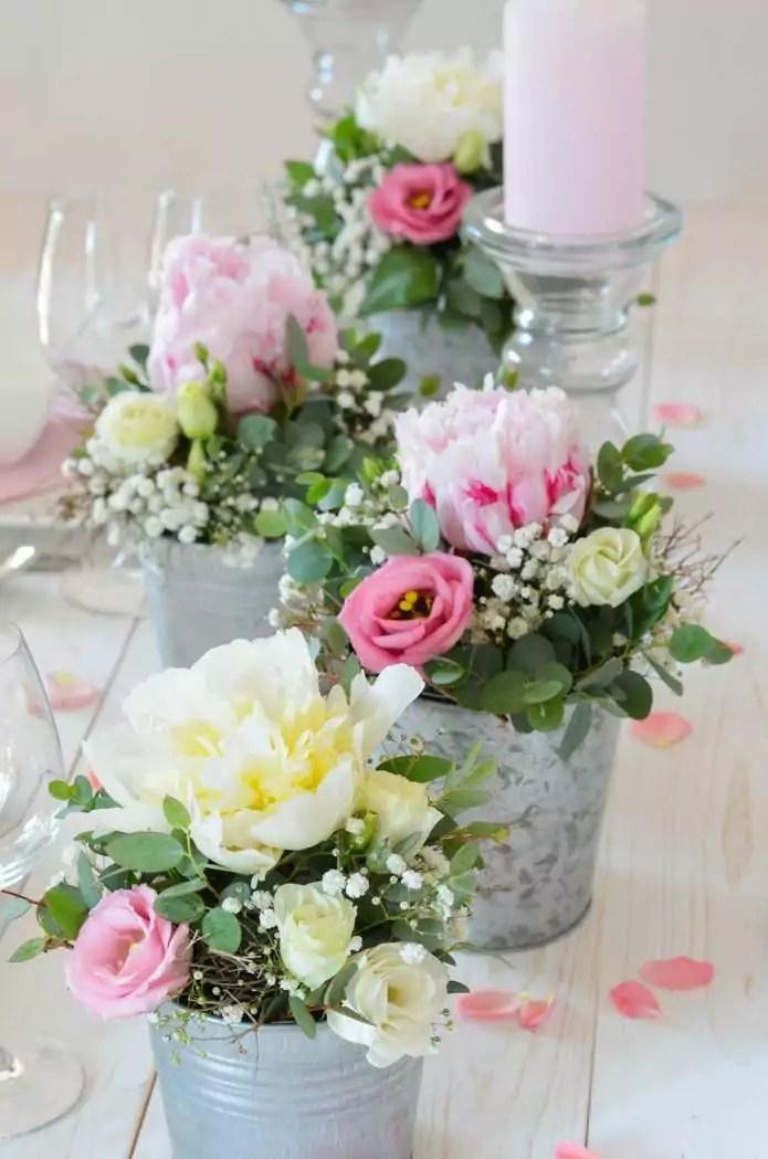 Tischdeko mit Pfingstrosen selber machen  Rosa Hochzeit