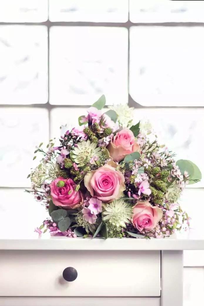 BrautstrauInspiration in Rosa und Weitnen mit