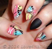abstract stilettos nail art - blurmark