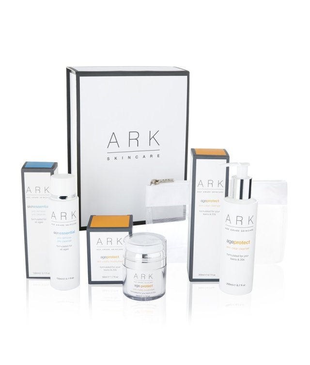age-protect-ark-skincare-christmas-set