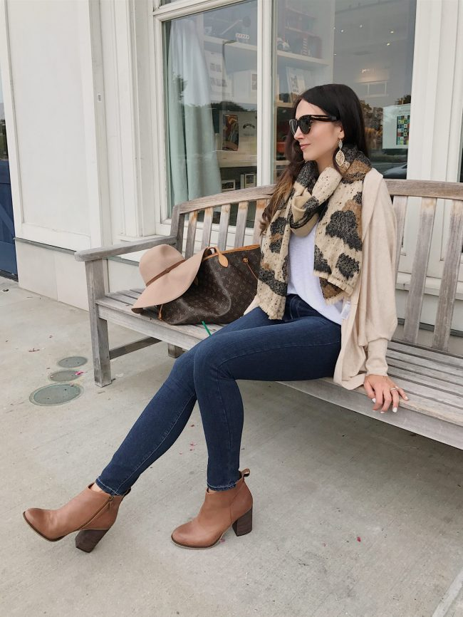 blogger Anna Monteiro of blushing rose style blog wearing skinny jeans by paige denim and BP booties from Nordstrom