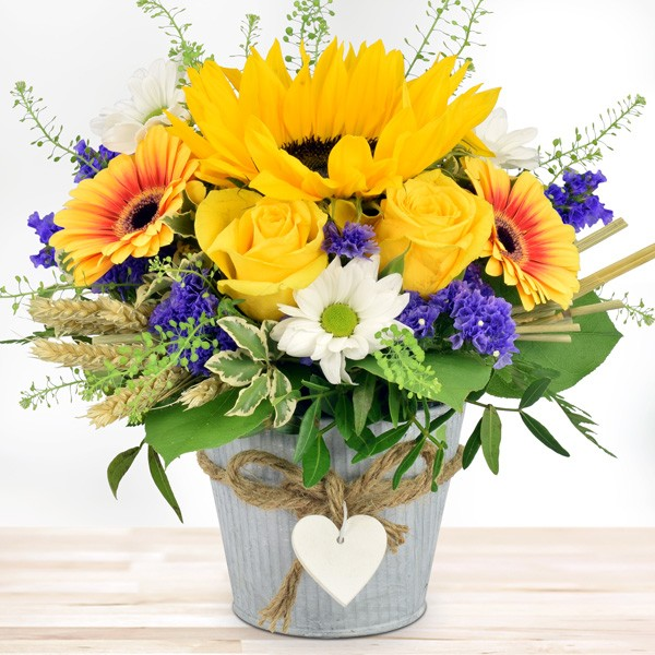 Blumengesteck Summertime im HerzZinktopf Blumenversand