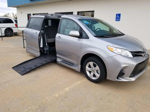 wheelchair van parts baby table chair toyota vans for sale blvd com new 2018 sienna le accessible with