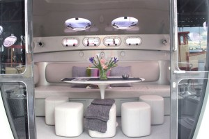 bme-marine-electrical-sydeny-projects-gallery-ricochet-58-interior-lounge-dining-cushions