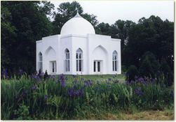 This beautiful Mazar, the first in the United States, was conceived, designed, and built by the members of the Bawa Muhaiyaddeen Fellowship, and dedicated in 1987.