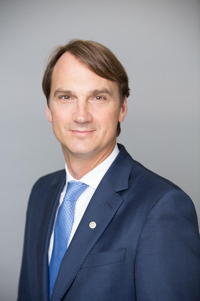 Executive Bios  Cameron Fowler