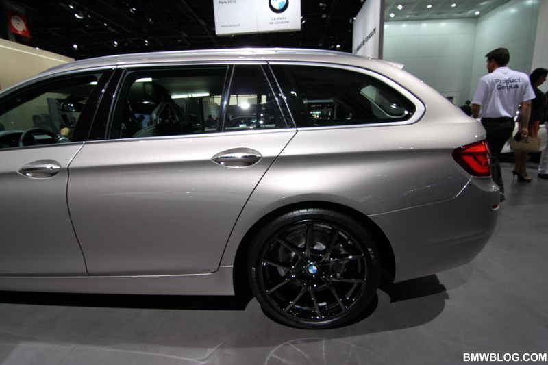 Photos Bmw 520d Touring Cashmere Silver With Liquid