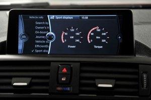 Sportanzeigen bei BMW Modellen freischalten