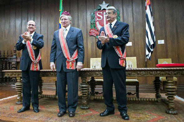 Governador Geraldo Alckmin, rabino Henry Sobel e vice- chanceler da Ordem do Ipiranga, Adilson Cezar.