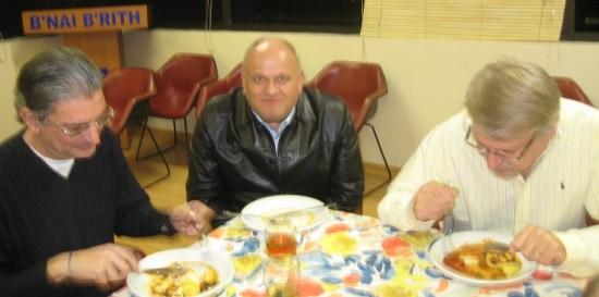 Loja Anne Frank se reúne em jantar