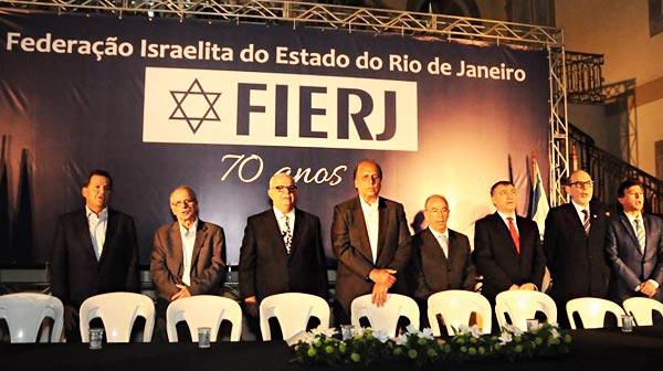 FIERJ celebra 70 anos e participa da Caminhada em Copacabana