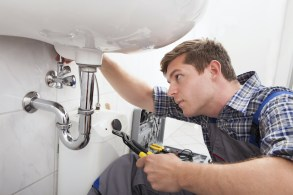 A Few Helpful Methods for Unclogging your Bathroom Sink