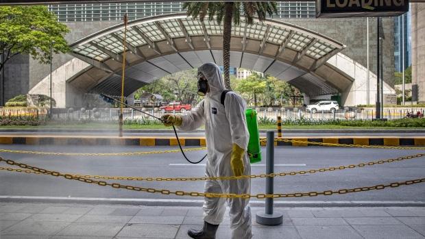 Australia Curbs Travel; U.S. Cases in 50 States: Virus Update ...