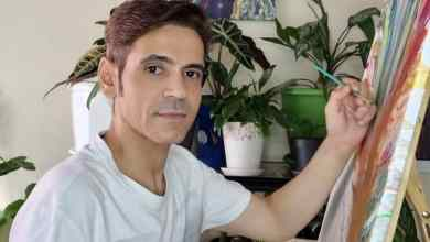 أحمد المعمري فن سكب الأكريليك من الفنون العلاجية