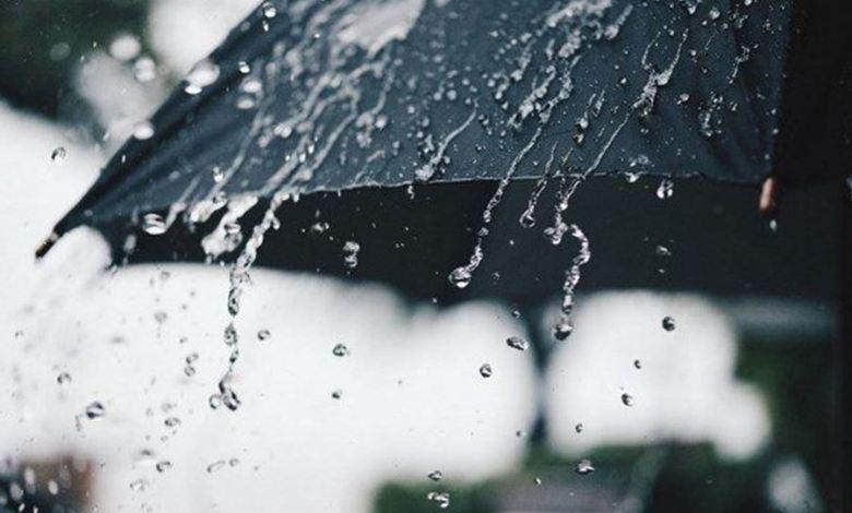 تساقطت الامطار على طريق بحمدون - ضهر البيدر، وقد حذرت القوى الامنية السائقين من خطر الانزلاقات، ودعتهم إلى القيادة بحذر