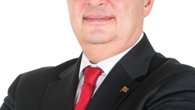 عماد واكيم: لن نسمي أحدا في الاستشارات والحل بإعادة تشكيل السلطة