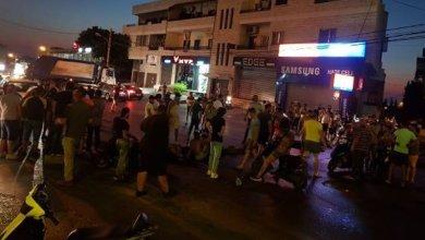 قطع طريق عام الشويفات احتجاجا على انقطاع التيار وتردي الاوضاع المعيشية