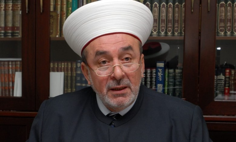 سوسان يؤدي صلاة الأضحى في مسجد الحاج بهاء الدين الحريري ويعتذر عن عدم استقبال المهنئين