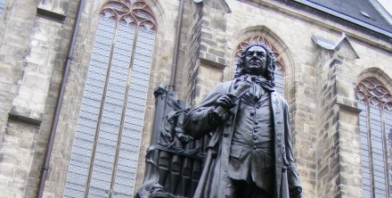 Statue of JS Bach outside the Thomaskirche, Leipzig