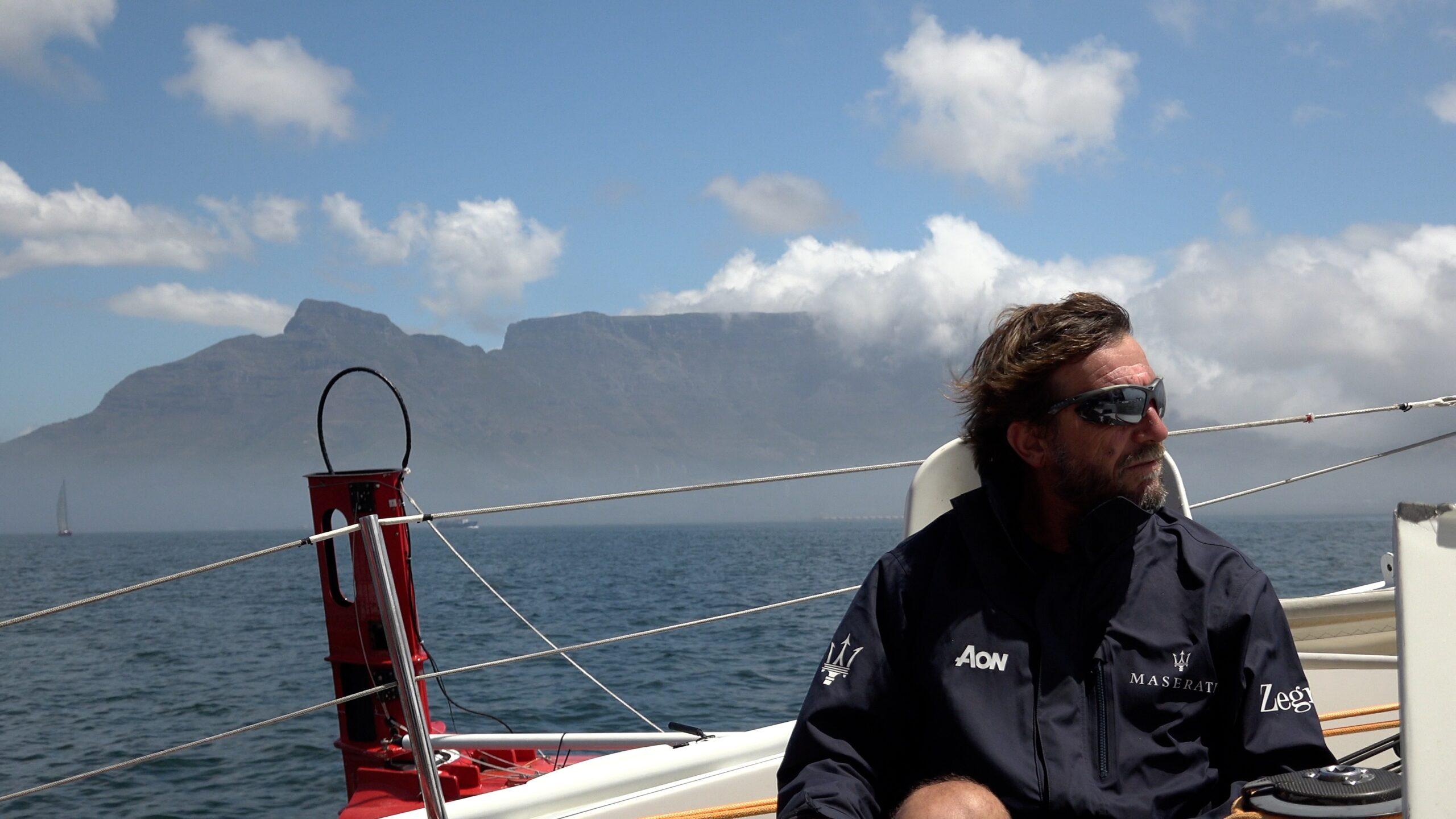 Poco vento per Soldini, alla Cape2Rio il record è di LoveWater