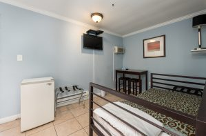 Suite with Full Kitchen at Oceanfront Hotel | Bordwalk Charlee Hotel