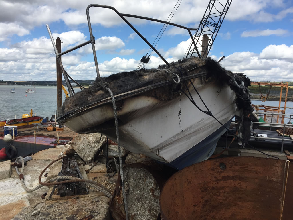 Scrap a Boat - A Burnt Out Sunseeker Motorboat