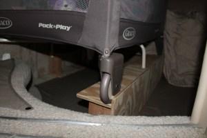 pack-n-play platform