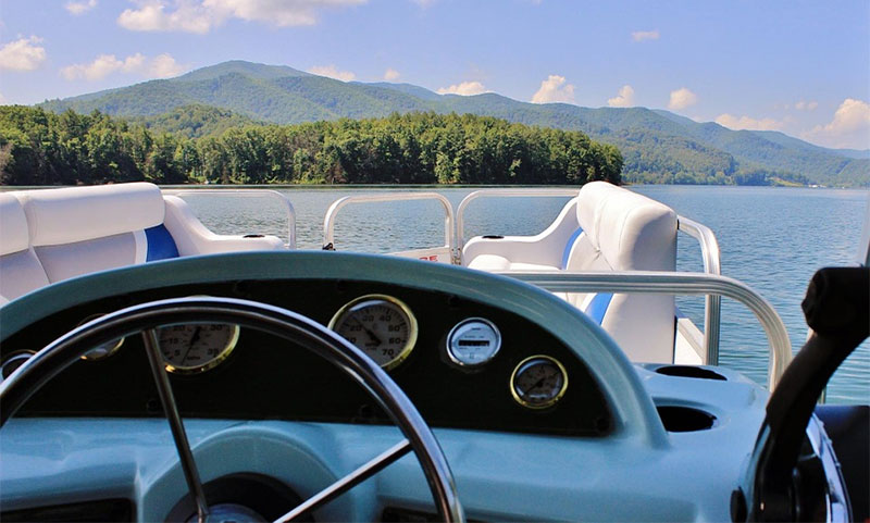 How To Drive A Pontoon Boat Like An Expert  Boating Focused