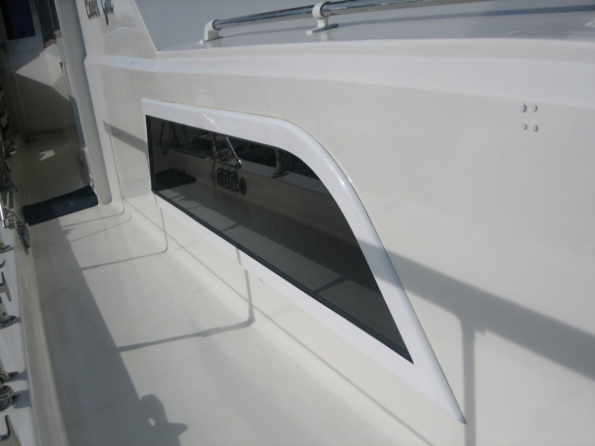 Hatteras 52 Motor Yacht Boat Windows