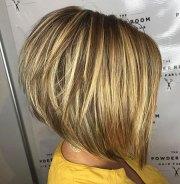 medium stacked bob hairstyles