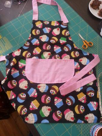 cupcake apron bobbins and buttons