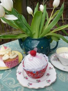 cupcake pin cushion bobbins and buttons