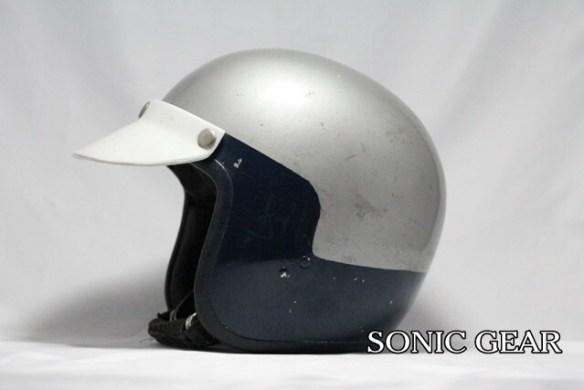 レスレストングランプリ ヘルメット 横1