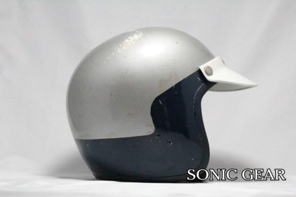 レスレストングランプリ ヘルメット 横2