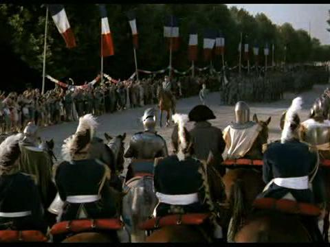 """Les rois et les généraux du passé assistent au défilé de la victoire de 1919. """"Si Paris nous était conté"""" (1956) extrait."""