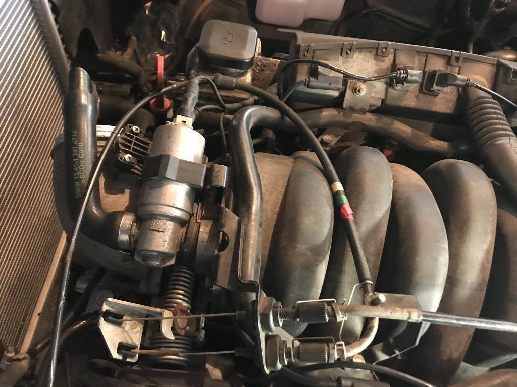 hight resolution of nothing really to see here i just thought maybe someone would be interested in how a water pump is changed on a 24 year old bmw