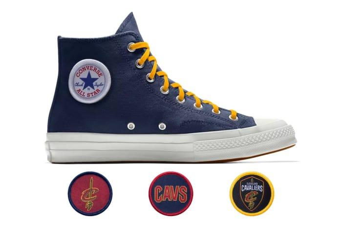 Converse e le sneaker personalizzate con i loghi dei team