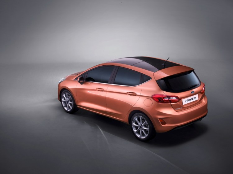 ford_fiesta_titanium_34_rear