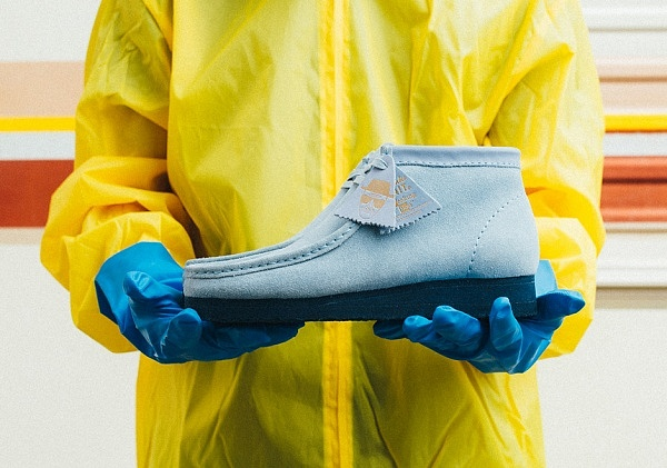 breaking-bad-bait-clarks-wallabee-blue-2